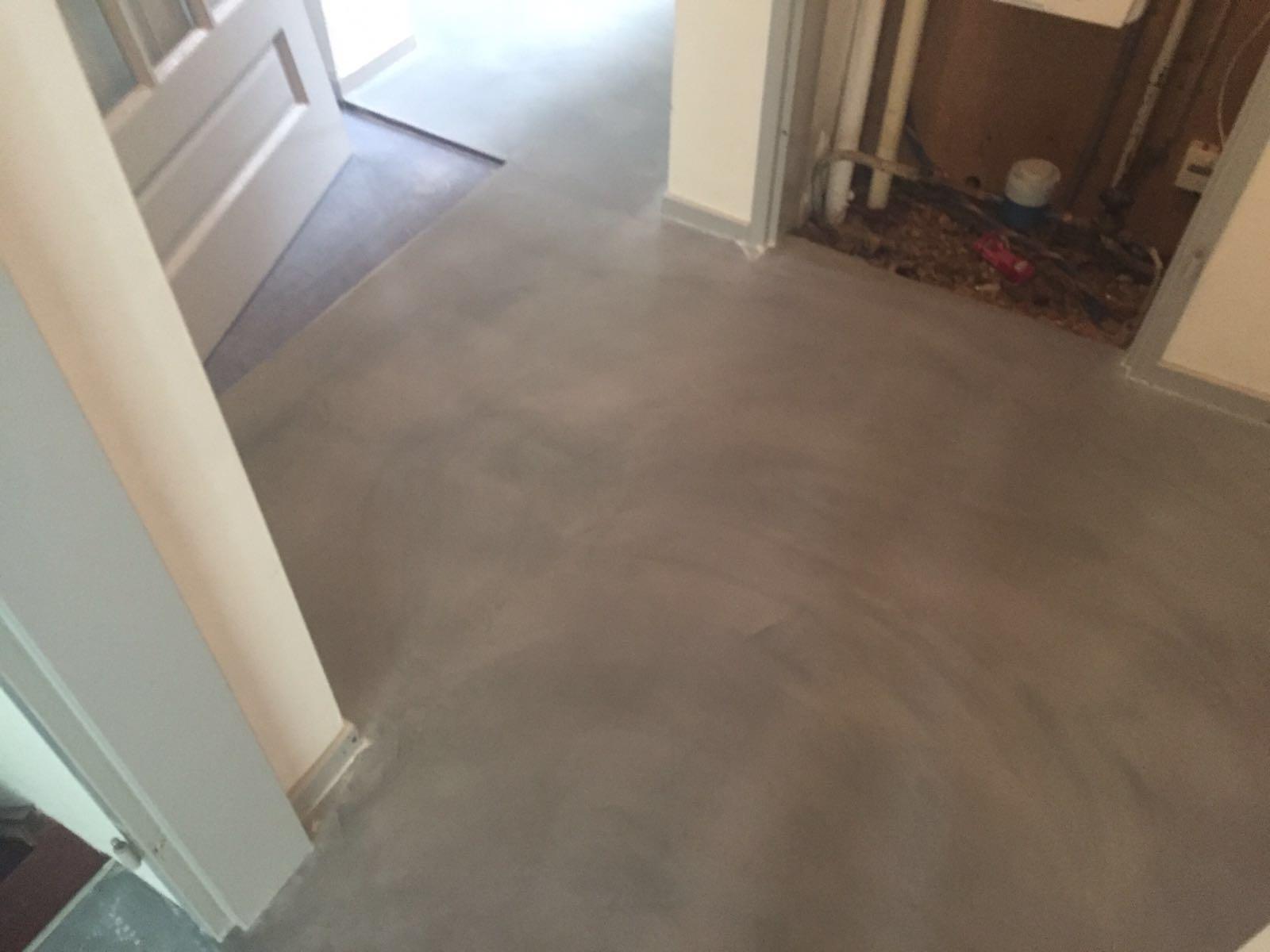 Vloeren Op Beton : Leef beton vloer in de kleur r betonstuc leef beton